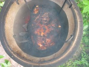 Готовое мясо в тандыре