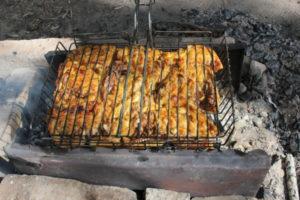 Мясо гриль на решетке