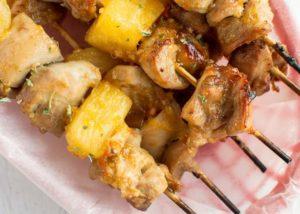 шашлык из курицы с ананасом