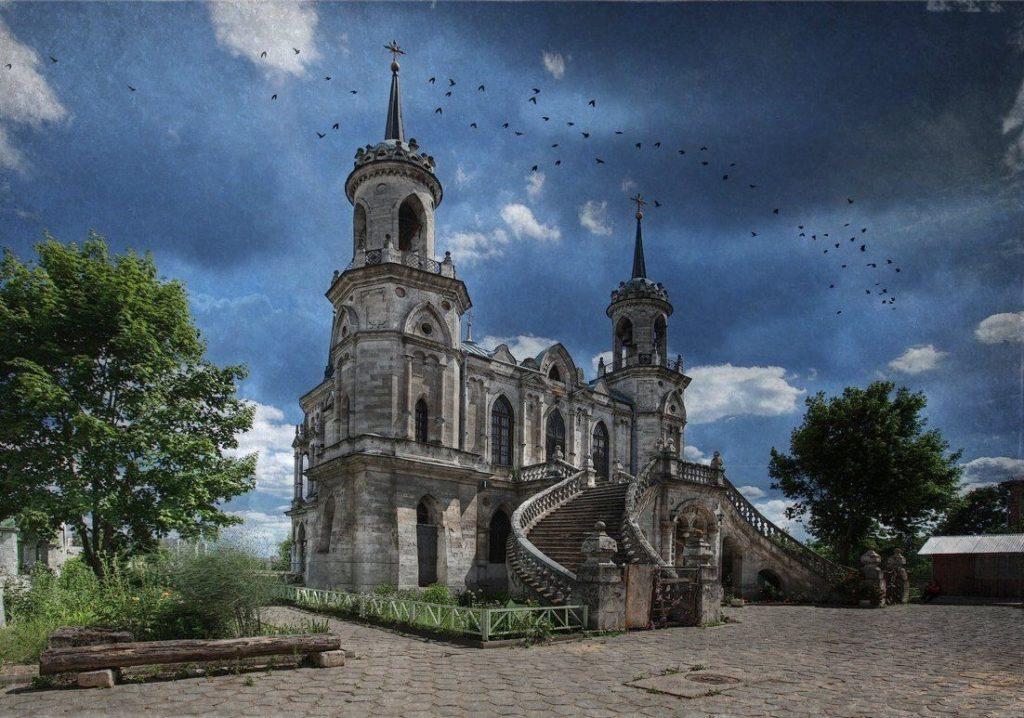 Неоготическая церковь в Быково